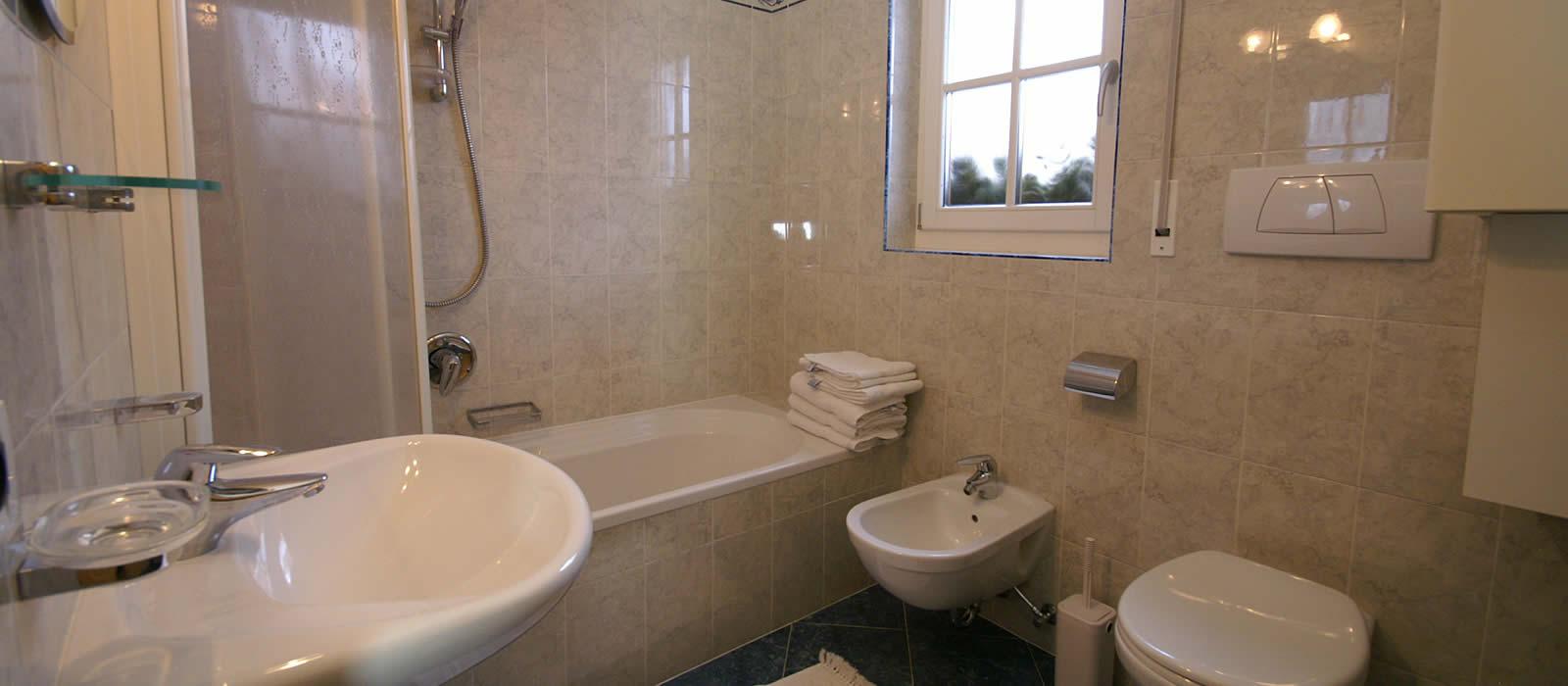 Appartamento sponata residence pars alta badia - Residence val badia con piscina ...